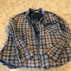 Button up flannel like shirt
